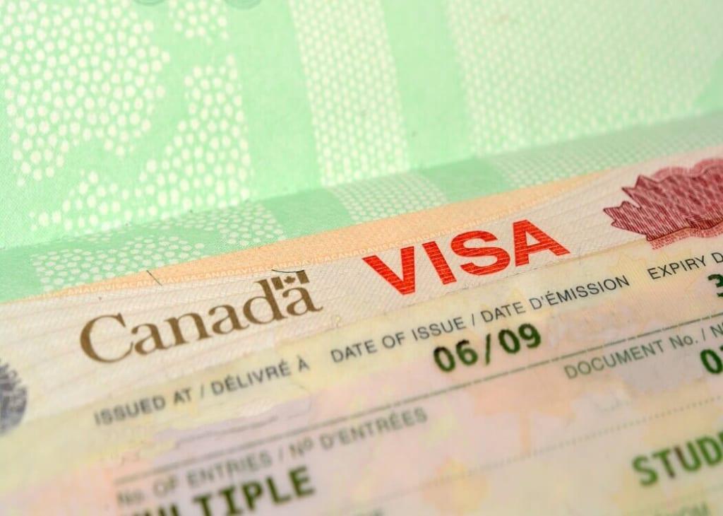 Xin visa Canada mất bao lâu